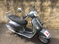 Vespa GT 125 for sale with accessories