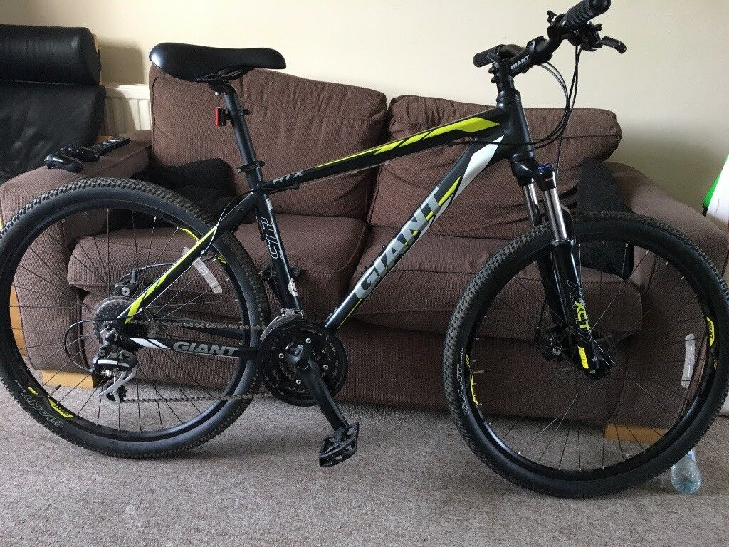 Giant Atx 27 5 2016 Mountain Bike In Craiglockhart Edinburgh