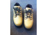 Men's Dunlop steel toe boots