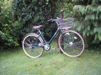 gimlet,ladies city bike,16 in frame,very tidy,auto lighting,new tyres