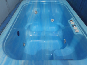 Lifestyle 2-3 Person Hot Tub Blue 'ASIS' - Price REDUCED by $200