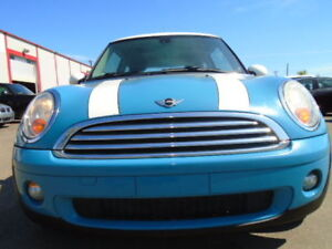 2009 MINI COOPER HARDTOP SPORT-LEATHER-SUNROOF--6 SPEED