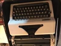 Vintage ERIKA Robotron Model 105 Typewriter