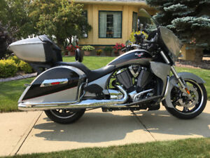 2017 Victory, Cross Country Tour - Turbo silver and black