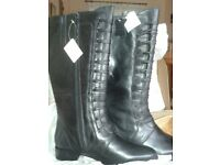 Black Leather knee high boots size 8 Curvy Calf Width