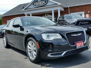 2015 Chrysler 300 Touring AWD, NAV, Pano Roof, Remote Start, Bac