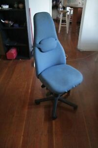 Comfortable Office Chair - MUST SELL!