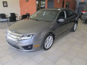 2011 Ford Fusion SE FWD MOON ROOF ONLY 15K!