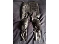 "Cow Leather Protective Motorcycle Trousers 32"" 32"" Like NEW"