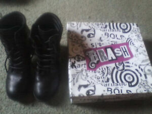 payless boots+call it spring heels size 8.5 call.780 263-4191