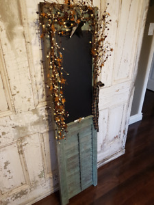 Antique shutter & chalkboard (Comes with Chalk)