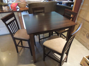 Bar Height Kitchen Table & 4 Chairs