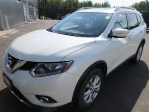 2015 Nissan Rogue SV! AWD! ONLY 55K! SAVE!