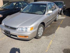 1996 Honda Accord EX & POWER WINDOWS & CASSETTE PLAYER