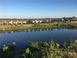Beautiful 3 Bedroom Townhouse Backing Into Greenbelt & Pond