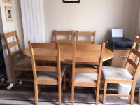 Oak Extendable dining room table and 6 chairs 07855218339 £150 ONO