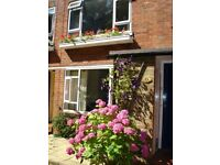 2 Bed Split Level Maisonette (1st & 2nd floors) in convenient location just off Banstead High Street