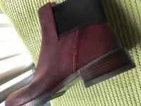 Ladies leather Chelsea boot