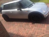 Mini Cooper long MOT may 2018 service history no offers plz