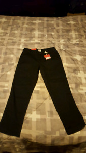 New mossimo black crop Capri pants. Size 1
