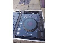 2 x Pioneer CDJ- 1000 CD Players and Pioneer DJM 500 Mixer Flight cased