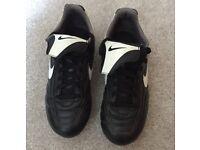 Boys' Nike Football Boots Size 4 (37)