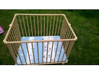 Geuther Lucy Playpen