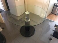 High quality round dining table on clearance just £50 Only!!