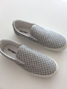 new old navy shoe