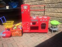Toy kitchen & accessories