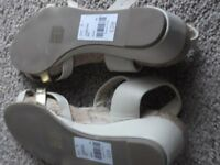 2 brand new pair sandles size 5