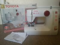 Toyota FSR21 Sewing Machine with instruction and box