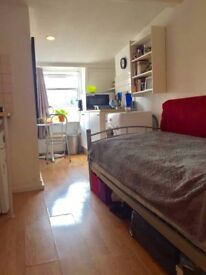 Studio apartment with open kitchen in the heart of central London