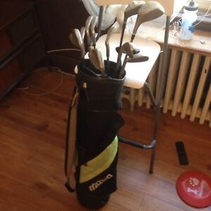 Selection of right handed clubs with Mizuno Bag
