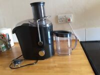 Breville Pro Kitchen 1000 Whole Fruit Juicer