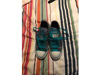 5 tongue converse size 5 (used)