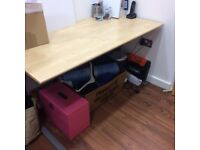 £5 bargain!!!! office desk 109cmx72cm. 72cm high, Wooden top metal legs.