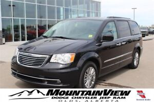 2016 Chrysler Town & Country Touring-L POWER DOORS! DUAL DVD!