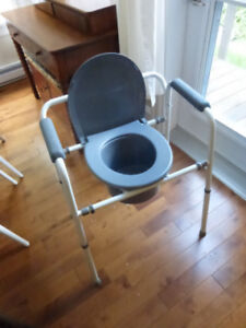 Large strong portable Commode