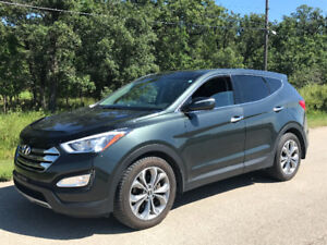 2013 Hyundai Santa Fe Sport Limited AWD, Pano Roof, Nav, loaded!