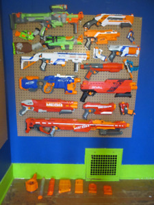 Awesome Christmas gift!! HUGE NERF LOT + AMMO - BRAND NEW