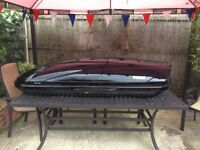 Gloss black Thule Motion 800 roof box in good condition.