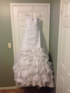 "Wedding Dress - Maggie Sottero ""Divinia"" Size ""12"""