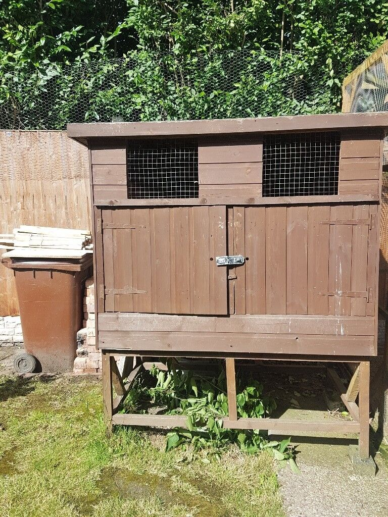pigeon loft box or chicken coop rabbit hutch