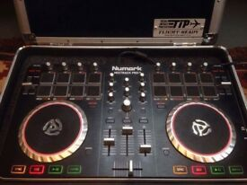 Numark Mixtrack Pro 2 USB Controler with Flight Case
