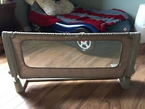 Safety 1st Bed rail *SOLD*
