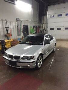 2004 BMW 330xi 6 speed awd