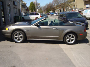 2002 Ford Mustang GT convertible 5 vitesses standard