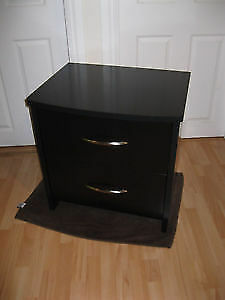 PRICE DROP Beautiful Night stand like new a very must see.