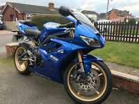Triumph Daytona 675 immaculate condition - stunning paint work electric blue with gold wheels